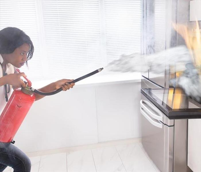 General Kitchen Safety: Don't get distracted!